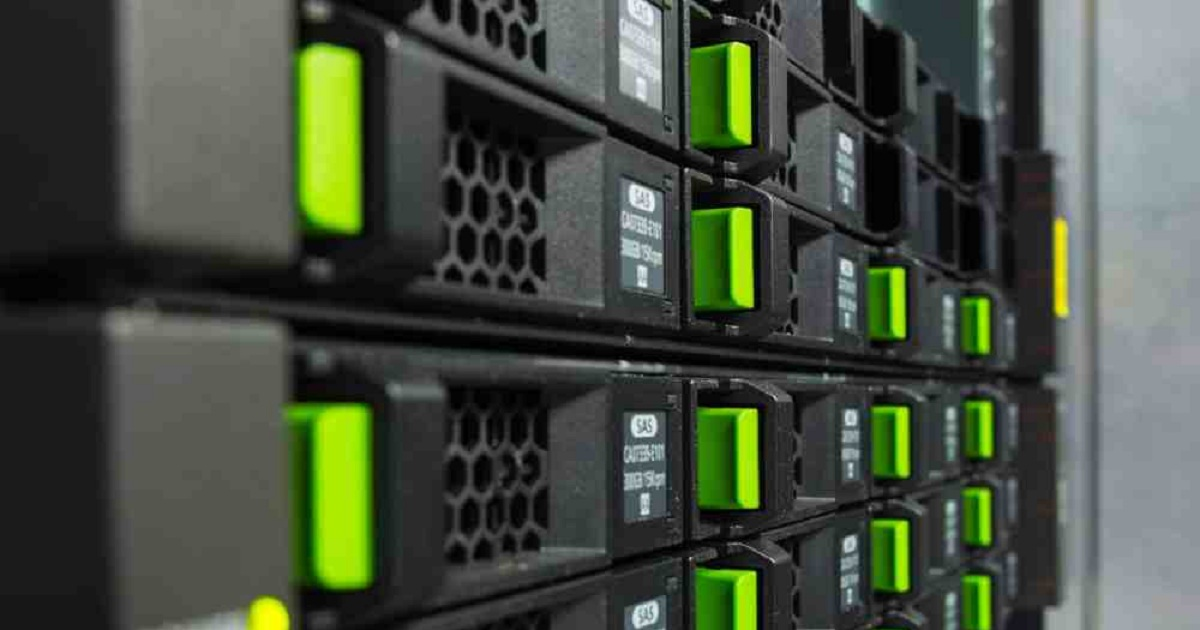 ADVANTAGES OF HYPER-CONVERGED INFRASTRUCTURE